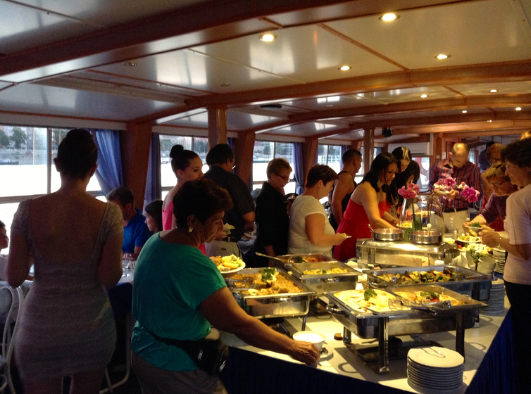 Budapest Danube Cruise Show with Dinner