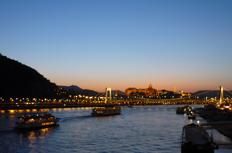 Night Boat Tour Budapest