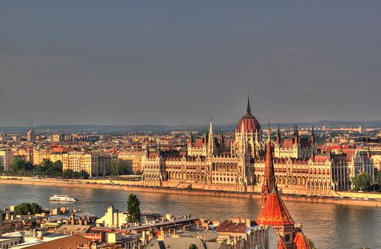 Budapest Vienna cruise: Hungarian Parliament