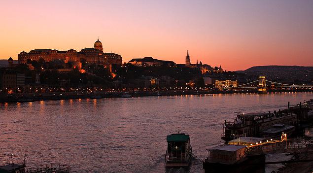 April Sunset Cruises Budapest