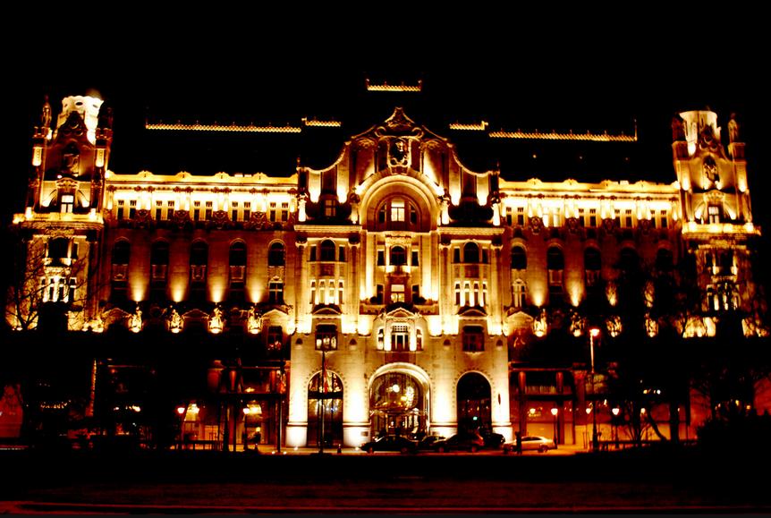Night Cruise Budapest Gresham Palace