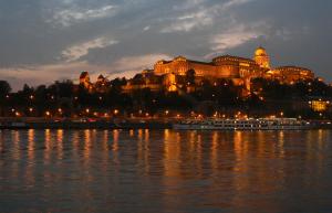 Cruise at Night Budapest Danube Aapo Haapanen