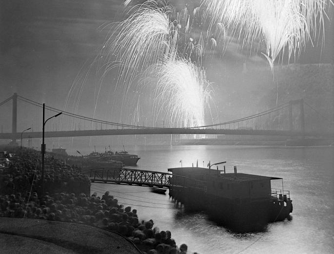 Budapest Fireworks 1978 Elisabeth Bridge Danube Aug 20