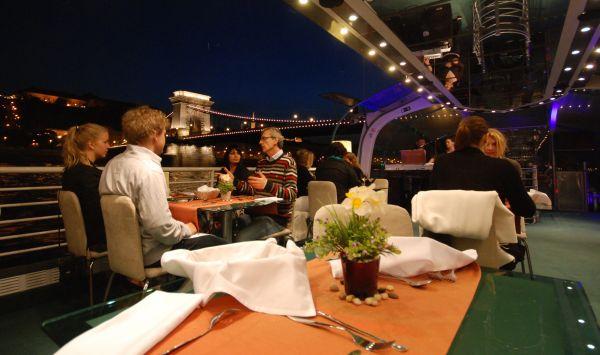 Budapest Candlelit Dinner Cruise A La Carte Dinner