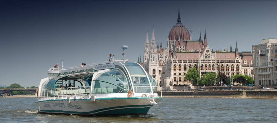 Duna Bella Cruise Boat Budapest Danube