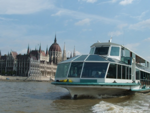 Sightseeing Cruise with Guide Budapest Legenda