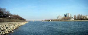 Arpad Bridge Budapest photo by Istvan