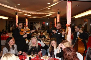 Budapest Christmas Eve Buffet Dinner Cruise with Gypsy Music