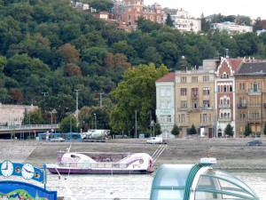 Budapest Sightseeing Cruise by Gellert Hill