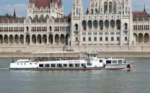 Prestige ex Deak Ferenc Boat