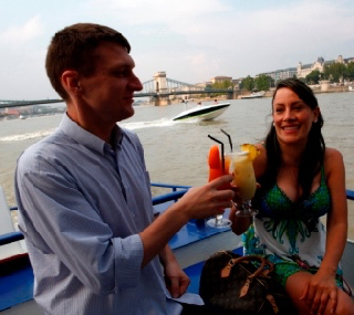 Cocktail & Beer Cruise Budapest