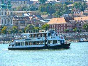 Fortuna Private Boat in Budapest