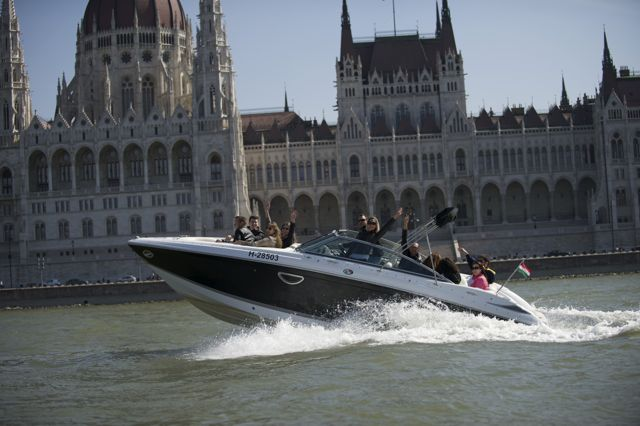 Budapest Crazy Cruise