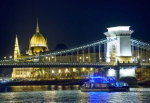 Dinner & Folk Cruise Budapest