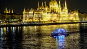 Budapest Light Dinner Cruise Piano