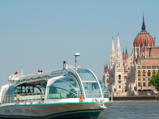 2.45pm Sightseeing Guided Cruise in Budapest