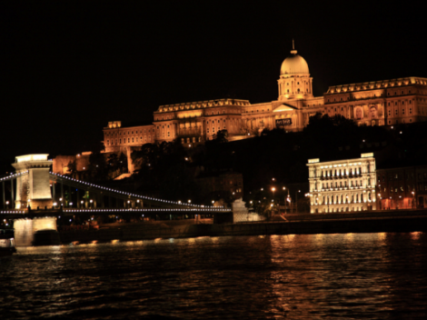 8.15pm Evening Cruise on the Danube in Budapest