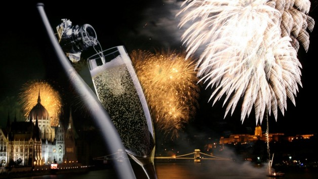 New Year's Eve Dinner Cruise with Piano Show