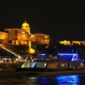 Budapest Christmas Eve Dinner Cruise with Piano