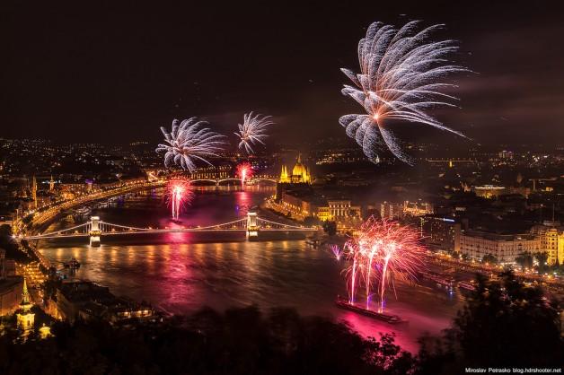 Budget Fireworks Sightseeing Cruise