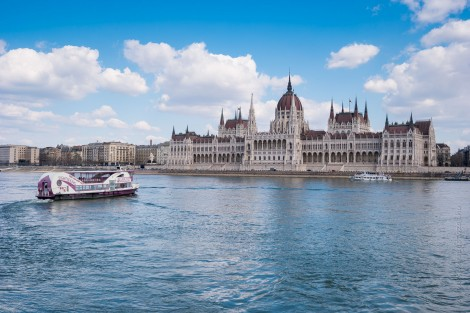 Snack Cruise with Unlimited Drinks Budapest