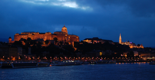 Valentine's Day Budapest Cruise with Gypsy Music