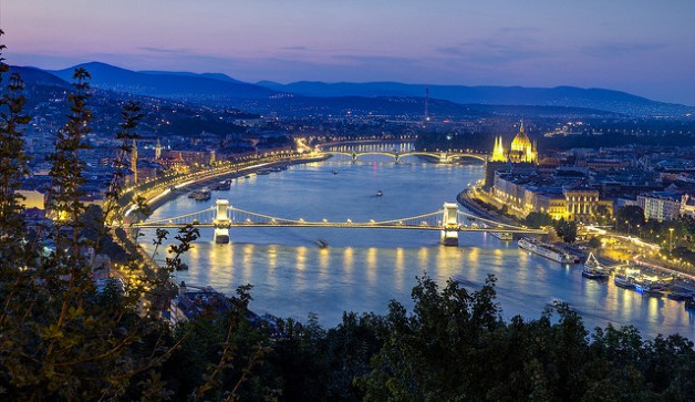 Budapest Cruise and Chocolate Museum Tour with Tastings