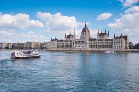Wiking ship, Budapest