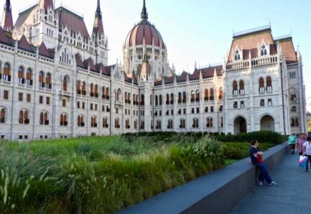 Budapest Wine Cruise & Parliament Tour