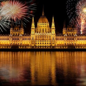 Budapest Fireworks Cruise with 2 Drinks